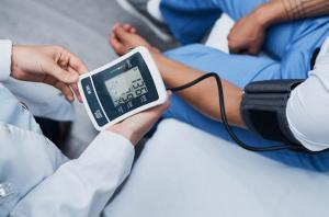 High Blood Pressure an Added Risk in Some Groups of Patients